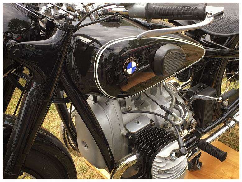 The blue ribbon winning 1937 BMW R6, restoration by John Pavone.