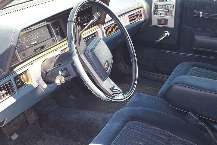 Note the plush velour interior...and tilt wheel.