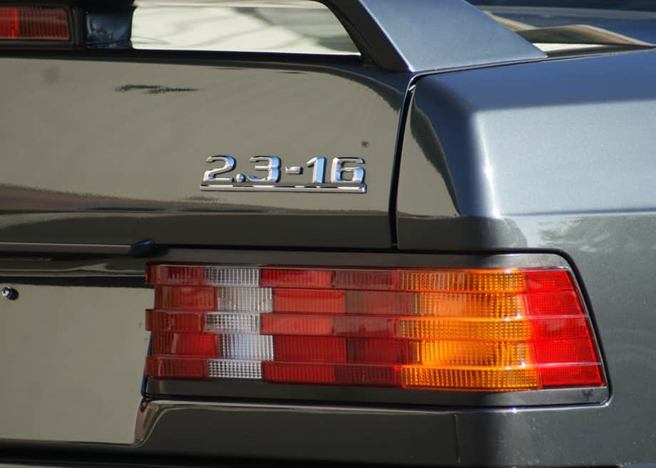 1986-Mercedes-Benz-190E-10
