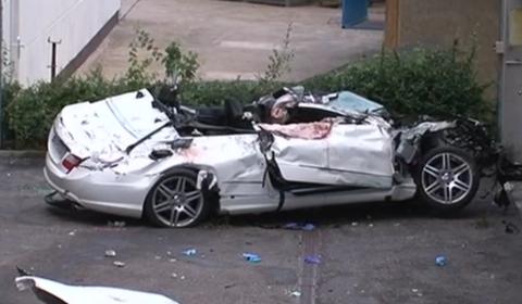 car_crash_18_year_old_wreckes_mercedes_benz_e350_convertible
